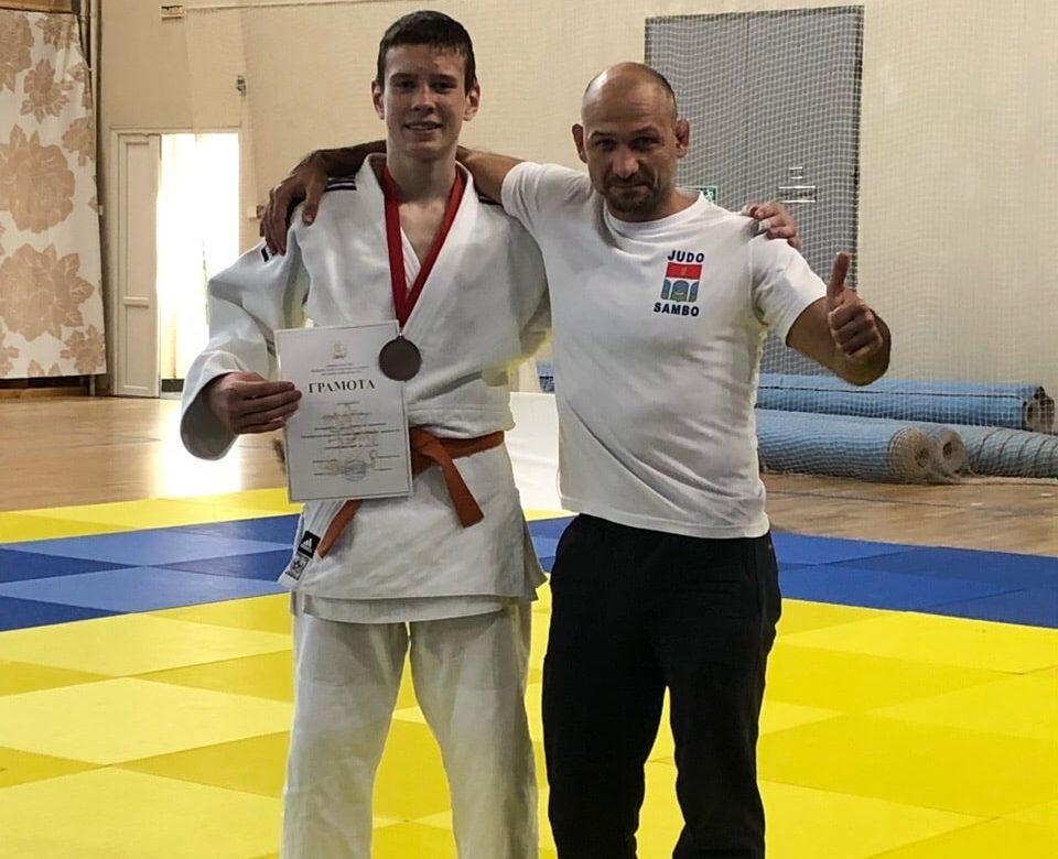 Шиндяйкин Александр официально получил звание КМС по дзюдо